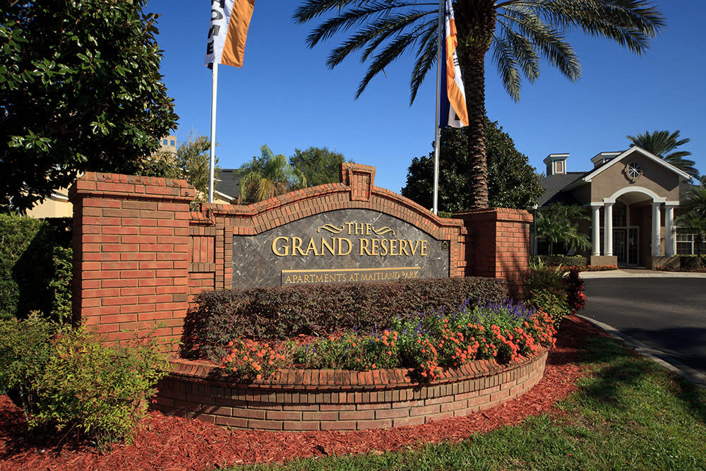 Front Entrance sign at The Grand Reserve at Maitland Park