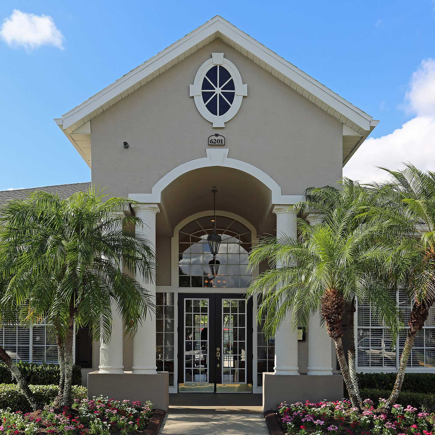 Facade of The Grand Reserve at Lee Vista in Orlando, FL