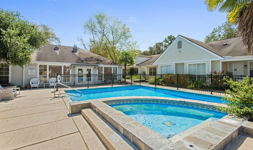 Baton Rouge Senior Living has a Safe Pool Area