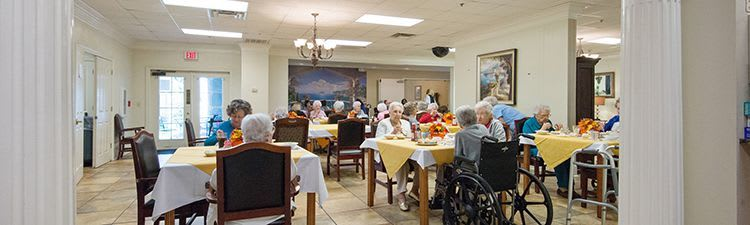 Modern dining room at the senior living community in Baton Rouge
