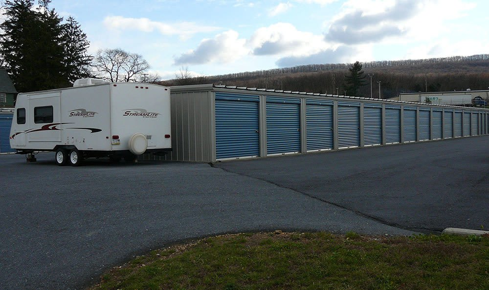 We have many different units and spaces for vehicle parking at Storage World
