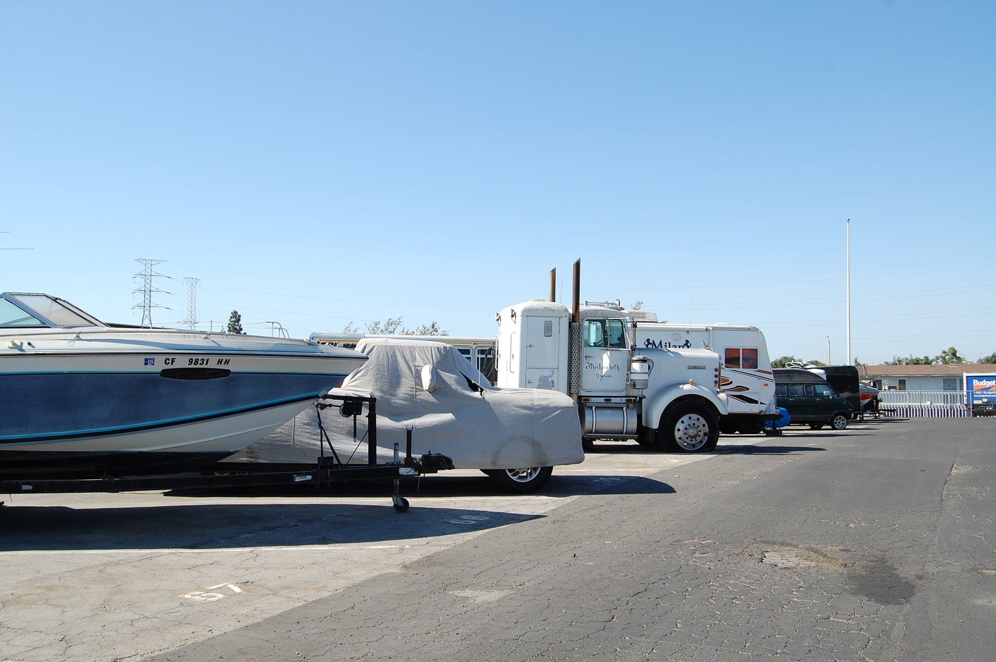 Auto, Boat, & RV Parking Spaces at Storage Etc... Carson
