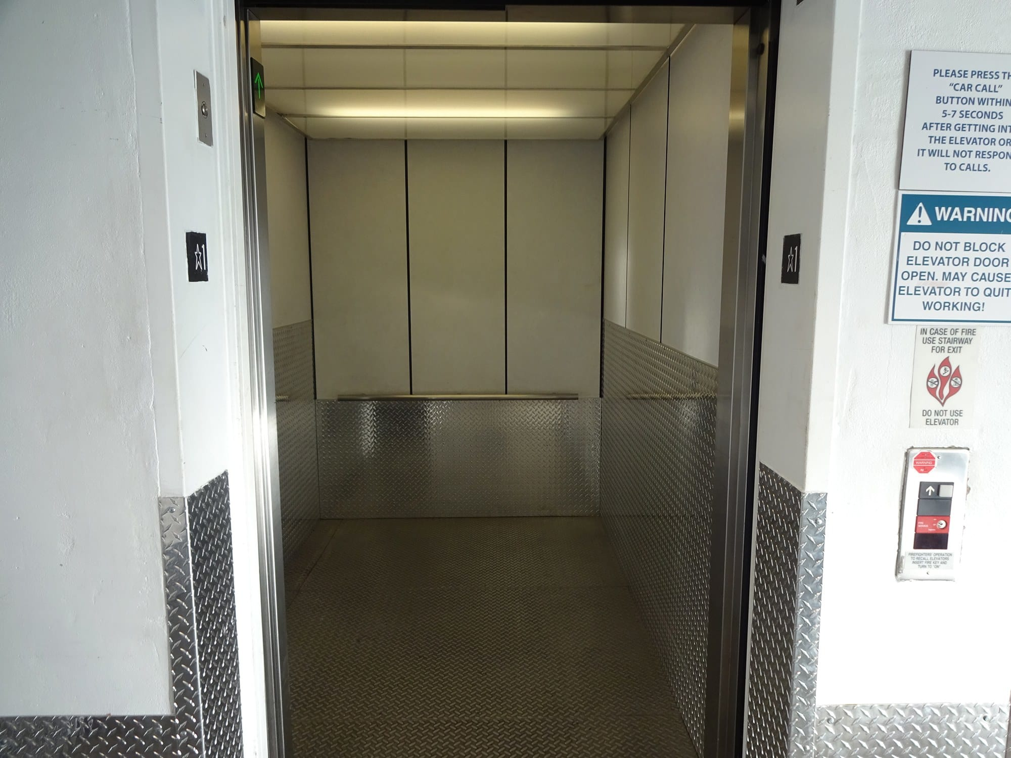 Elevator Accessible Storage Units at Storage Etc... Woodland Hills
