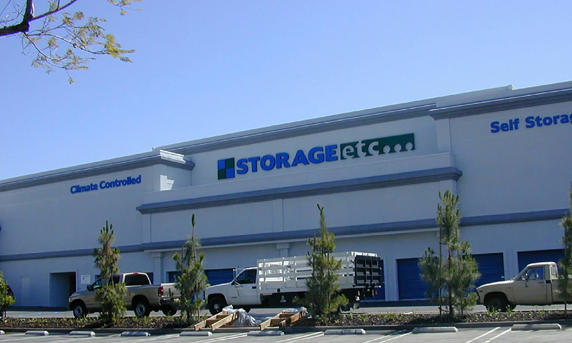 Self storage in Woodland Hills CA