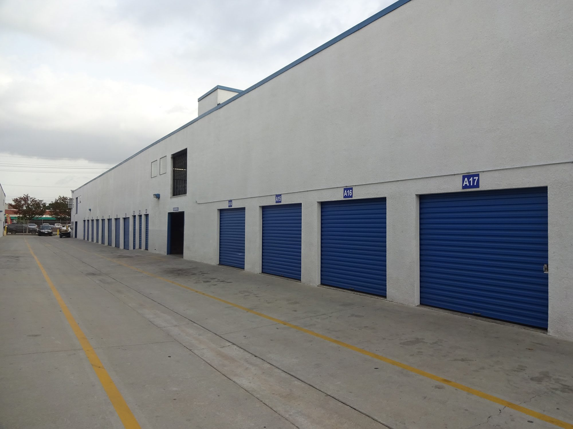Easily Accessible Storage Units at Huntington Park Self Storage