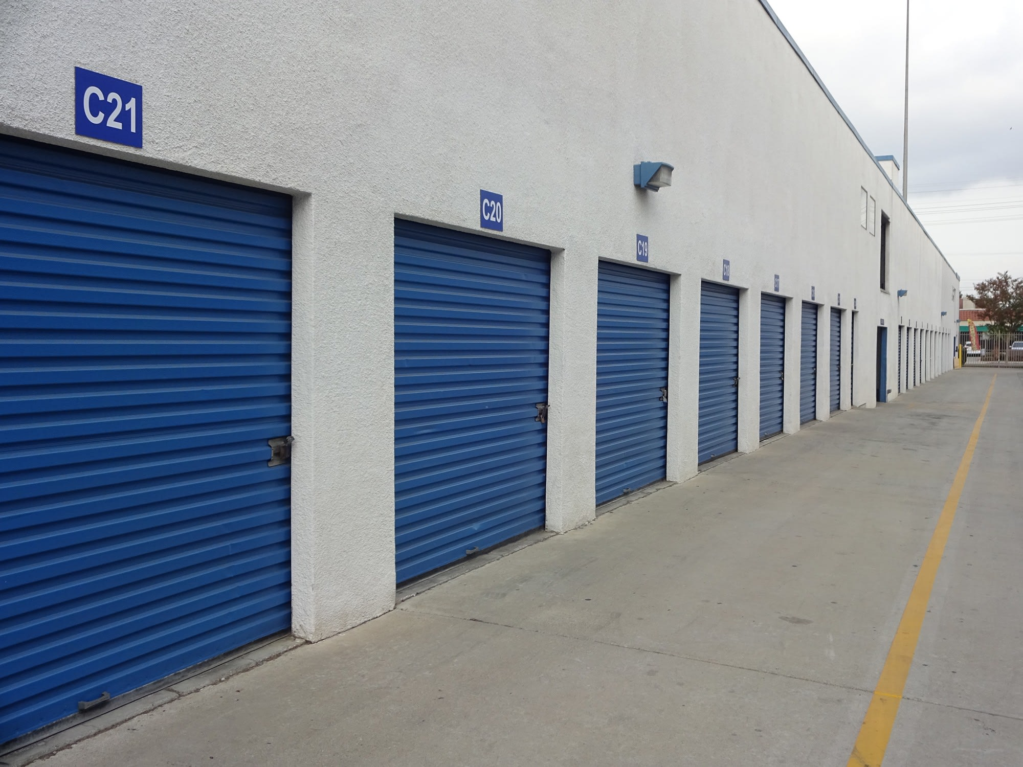 Drive Up Storage Units at Huntington Park Self Storage