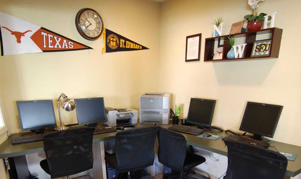 Enjoy the computer lab at Northwest Hills in Austin, Northwest Hills