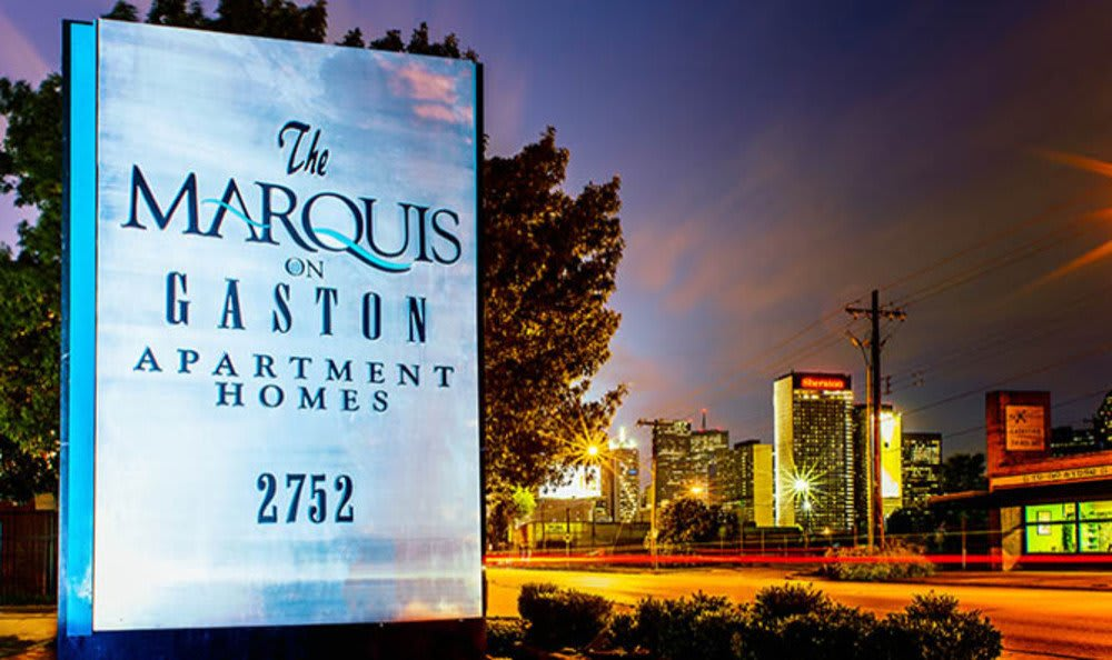 The monument sign at the apartments for rent in Dallas, TX