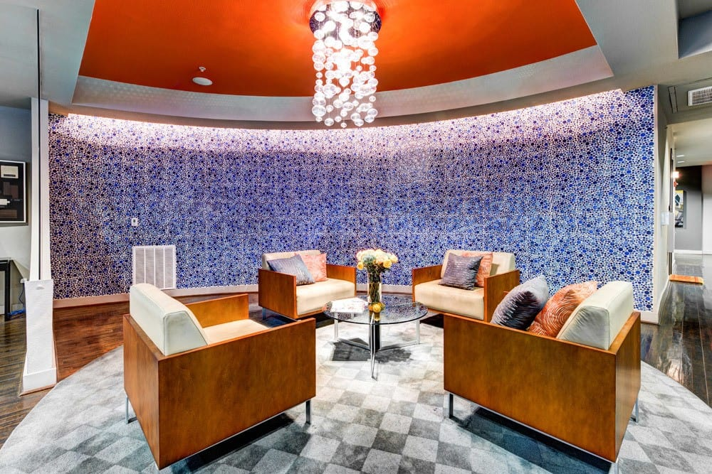 Lounge Area at Apartments The Marquis of State Thomas in Dallas