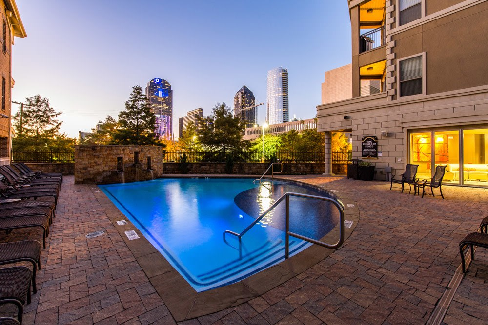 Pool at apartments The Marquis of State Thomas in Dallas