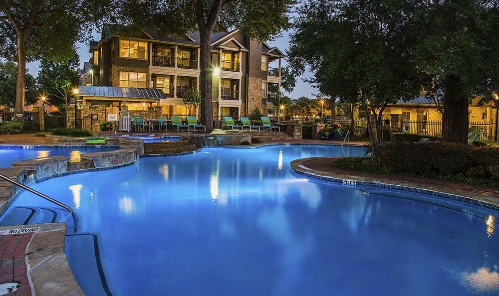 Swimming pool at Fort Worth, Marquis at Bellaire Ranch