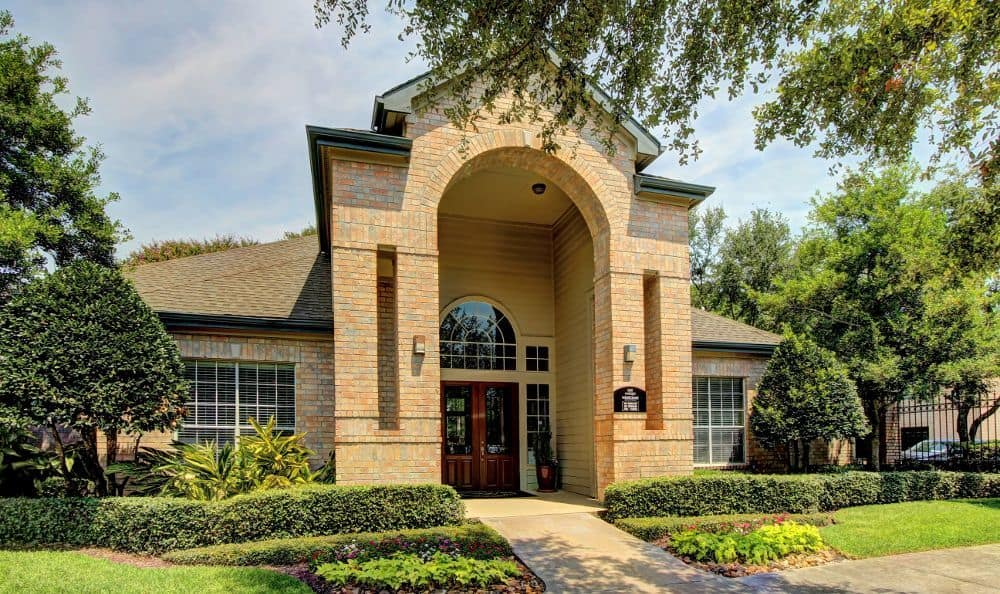 Clubhouse at apartments Marquis at Westchase in Houston