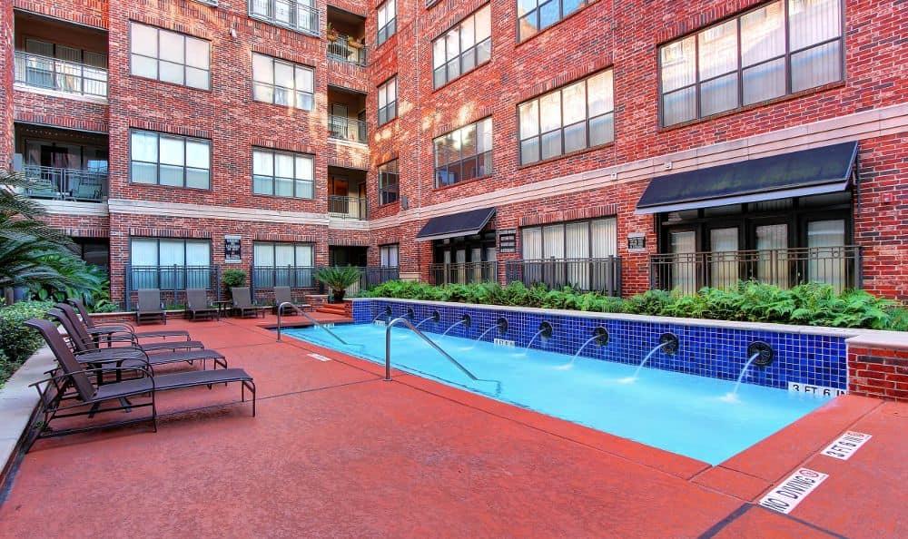 sundecks at apartments in Houston, TX