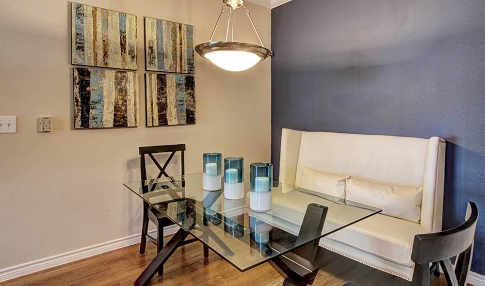 Contemporaty dinning room at Marquis on Briar Forest