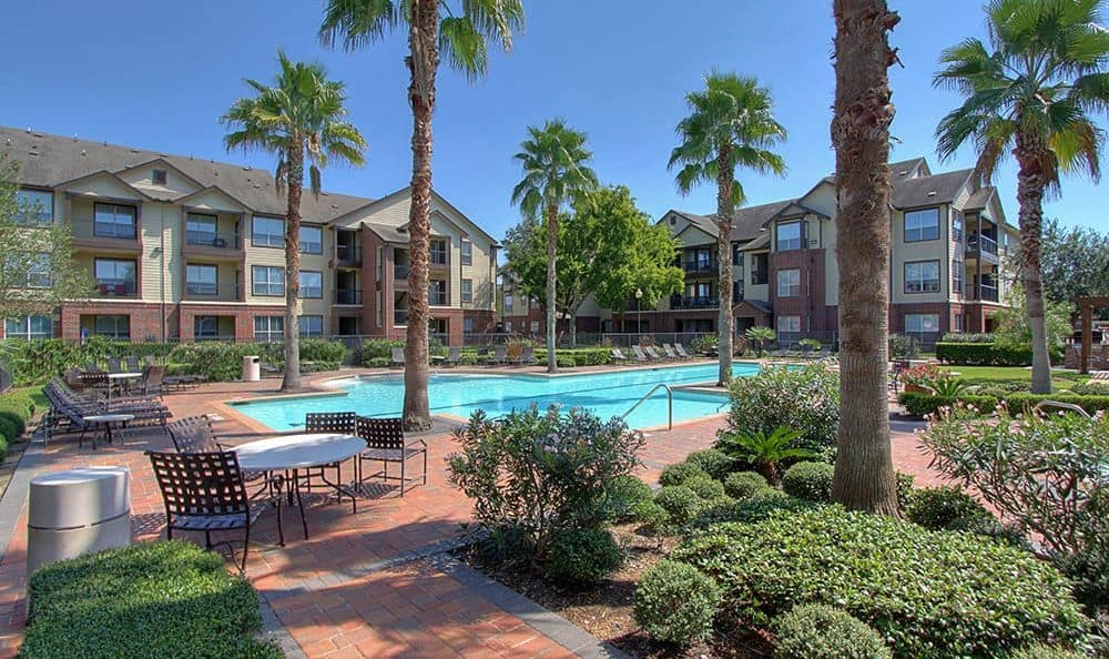 multi family housing swimming pool at apartments Marquis on Briar Forest in Houston