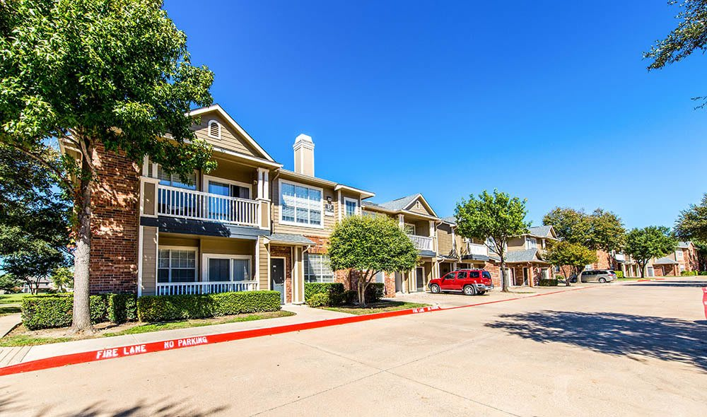 Apartment homes of Marquis at Stonebriar in Frisco, TX
