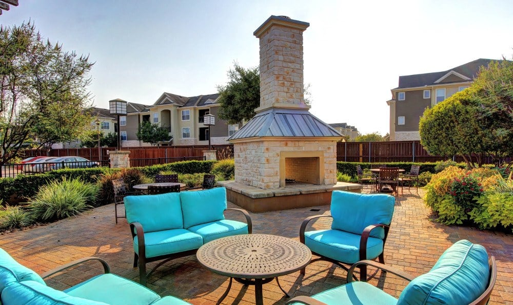 Outdoor seating area at Marquis at The Woodlands in Spring, Marquis at The Woodlands