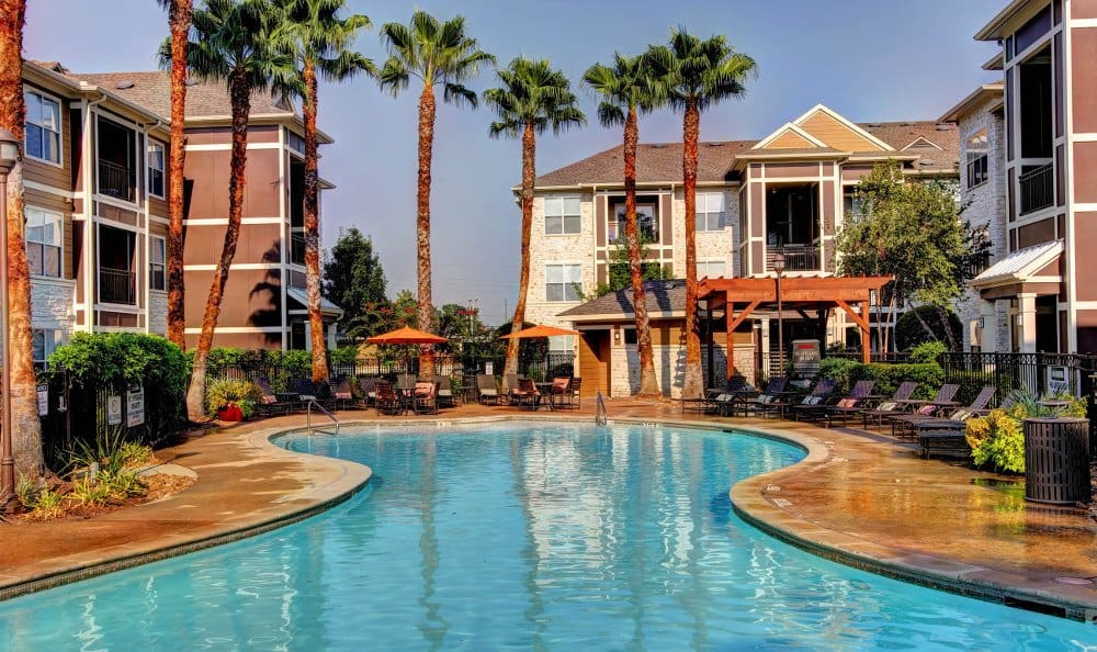 Relax at the swimming pool at Marquis at The Woodlands in Spring, Marquis at The Woodlands