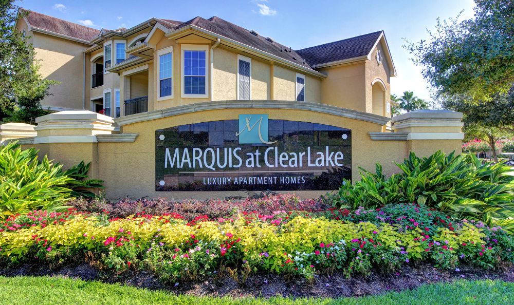 The Entrance sign at The Marquis at Clear Lake in Webster, The Marquis at Clear Lake