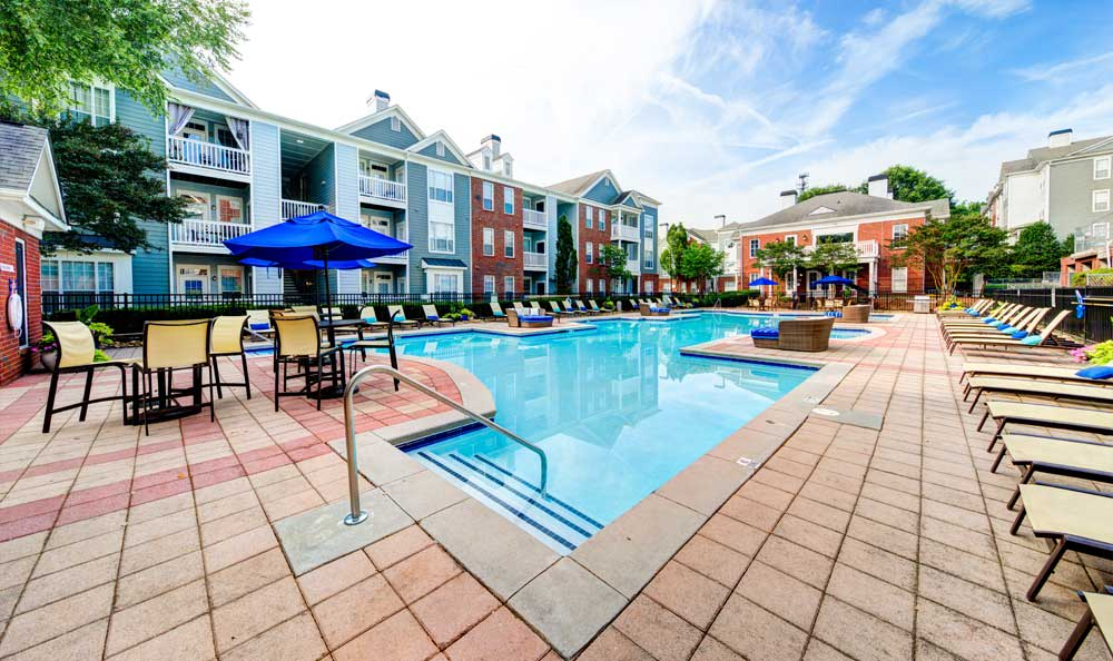 A sparkling pool is just one of the many amenities that The Marq at Brookhaven has to offer.