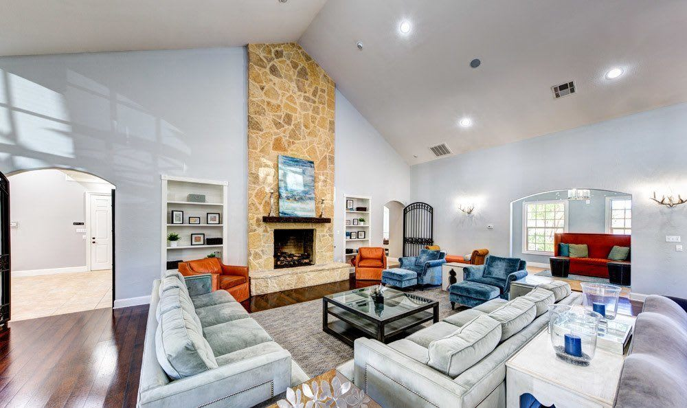 Ample living space in Marquis at Silver Oaks, Grapevine