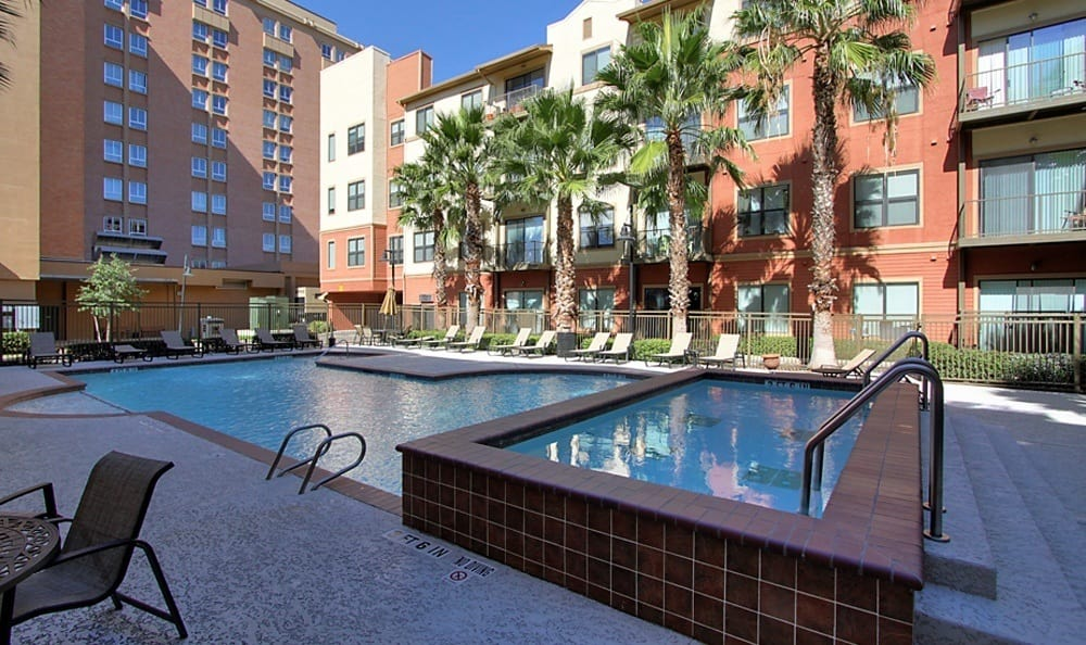 The Marquis Lofts at Hermann Park's swimming pool