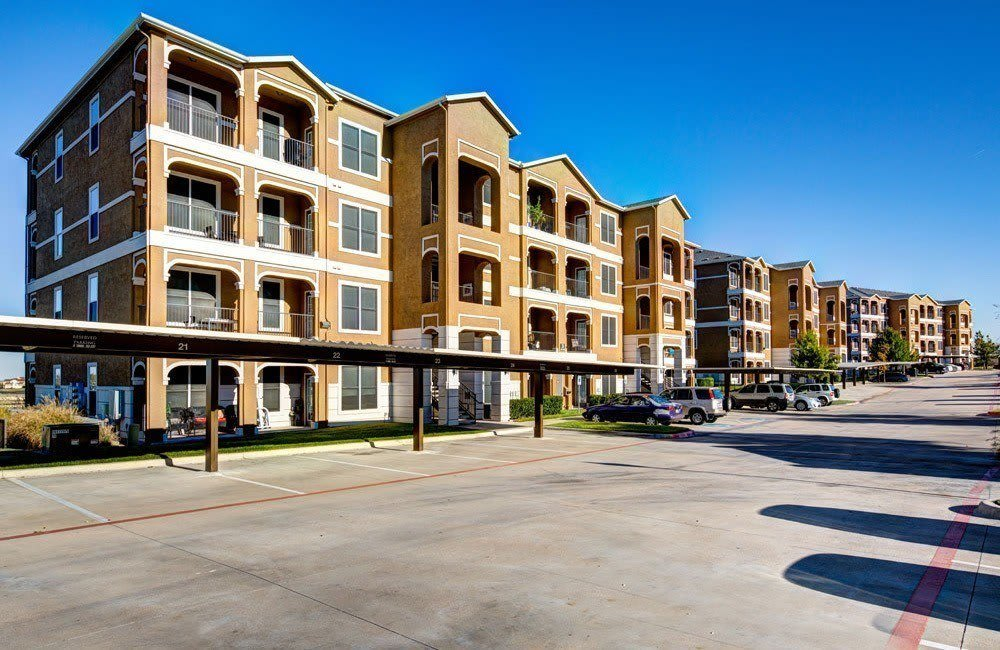 Exterior views of Marquis at Star Ranch's apartments in Hutto, TX