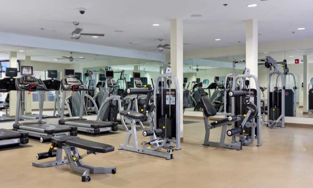 Stay healthy in our well equipped fitness center at Marq Eight