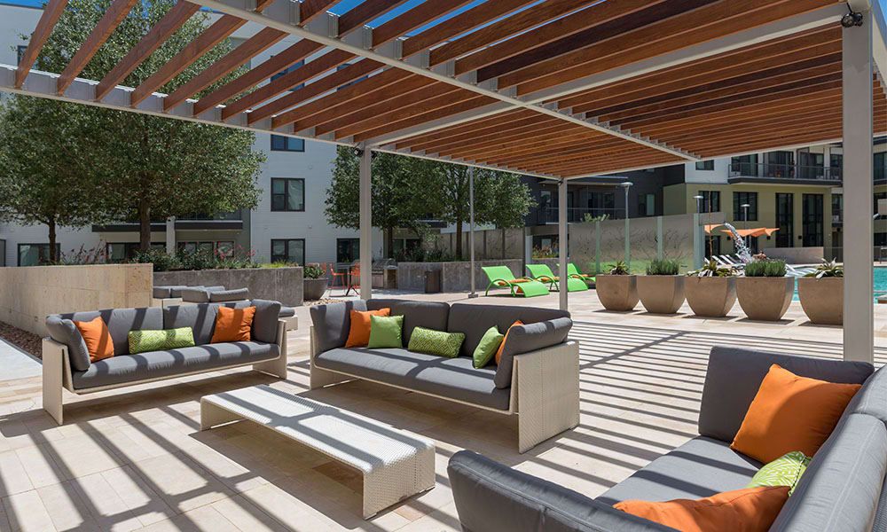 Leisure in the shady poolside at Marq Uptown