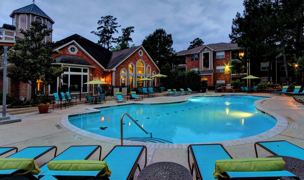 The pool stays open even at night at Marquis at Kingwood in Kingwood, Marquis at Kingwood