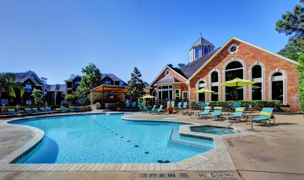 Relax at the swimming pool at Marquis at Kingwood in Kingwood, Marquis at Kingwood