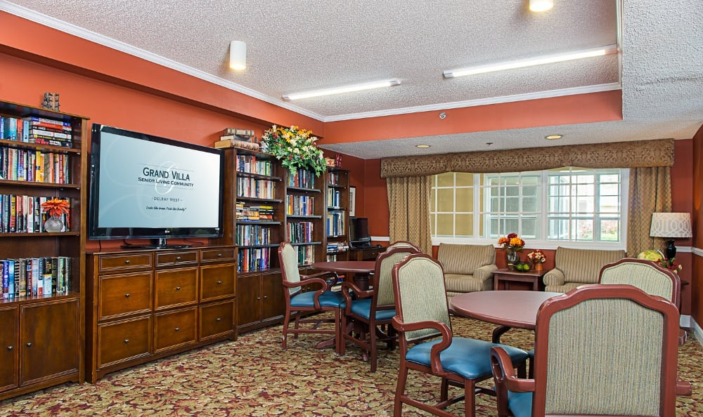 TV room at senior living in Delray Beach, FL