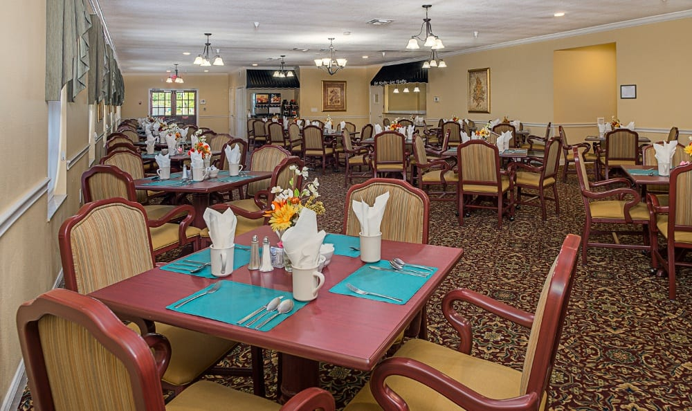 Dining hall at Grand Villa of Pinellas Park in Florida
