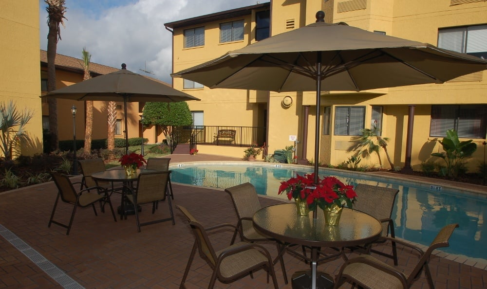 Sparkling swimming pool at Grand Villa of Altamonte Springs senior living in Altamonte Springs