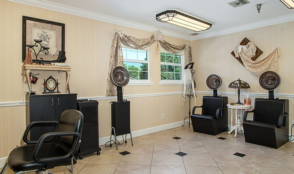 Barber shop at Grand Villa of Largo in Florida