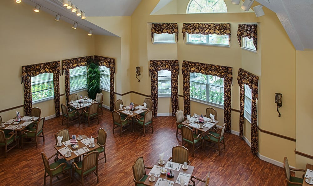 Dining hall at Grand Villa of Largo in Florida