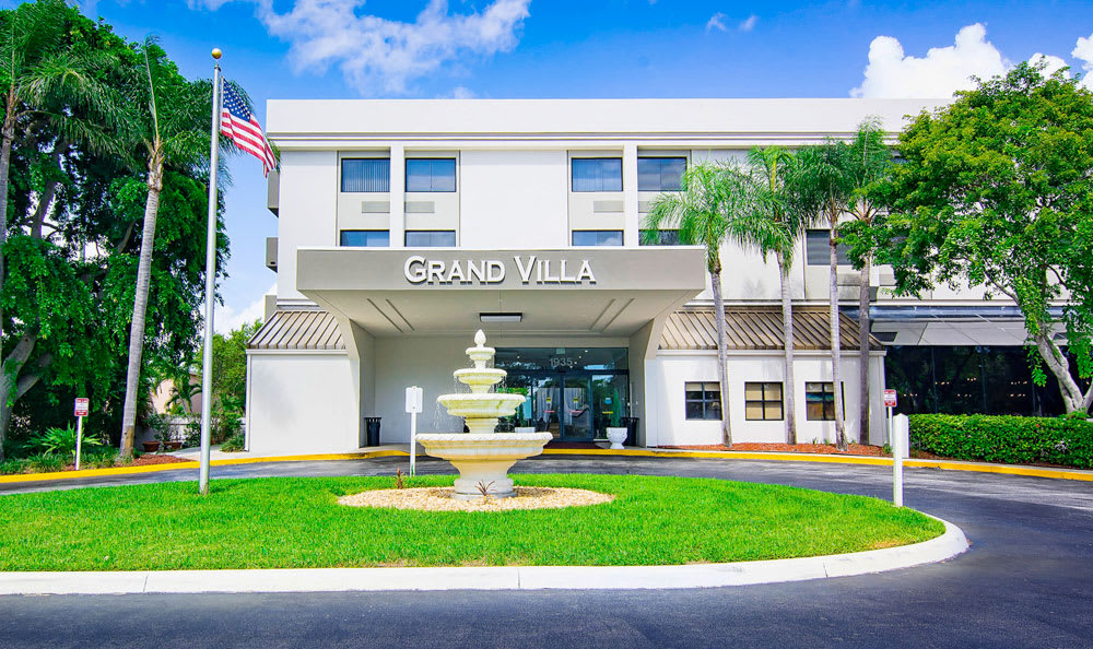 Front Entrance at Grand Villa of Boynton Beach in Boynton Beach, Florida
