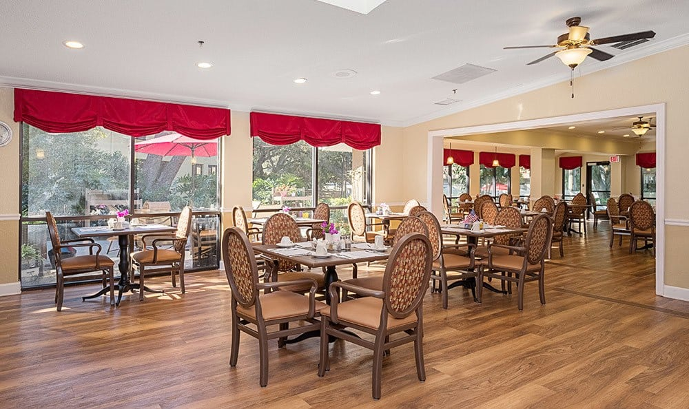 Dining room at Senior-Living in Dunedin, FL