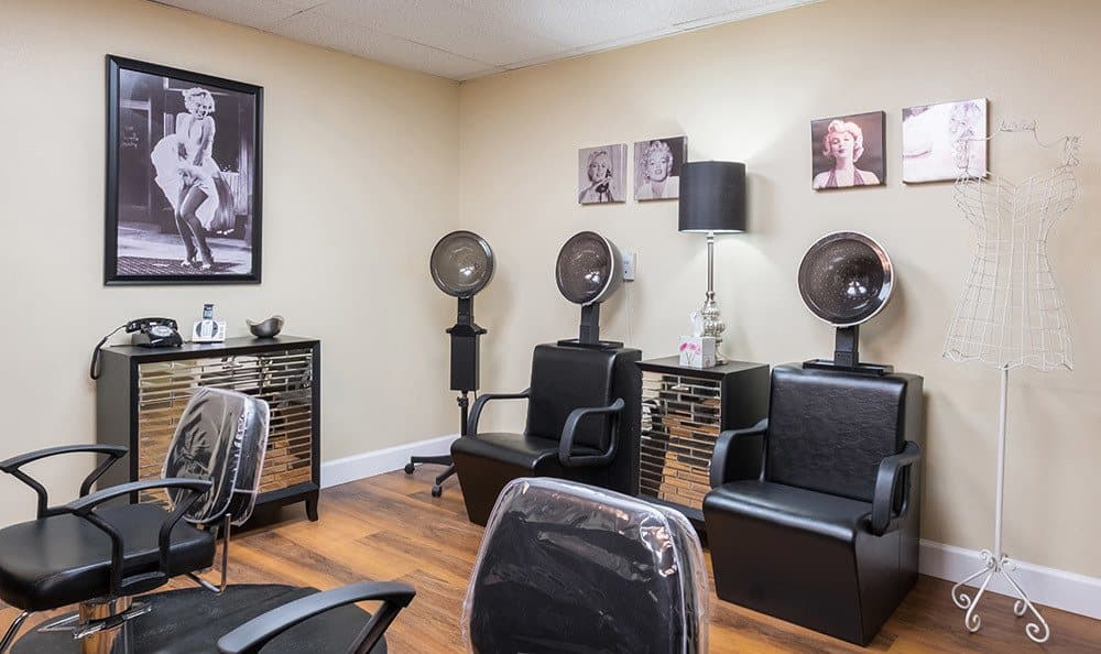 Onsite salon at Senior-Living in Dunedin, FL
