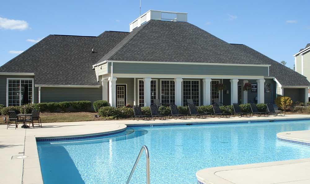 The amazing pool at Peaks Landing