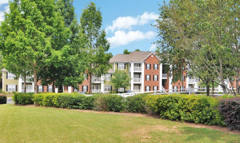 Gorgeous surroundings at Arbor Lake Apartments in Covington, GA.