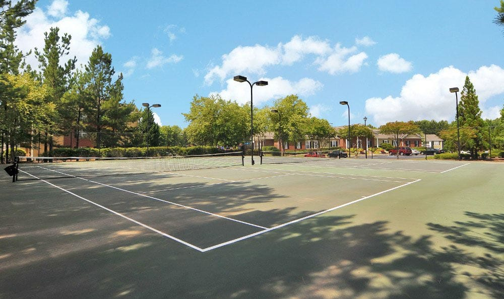 Tennis court at Arbor Lake Apartments in Covington, GA.