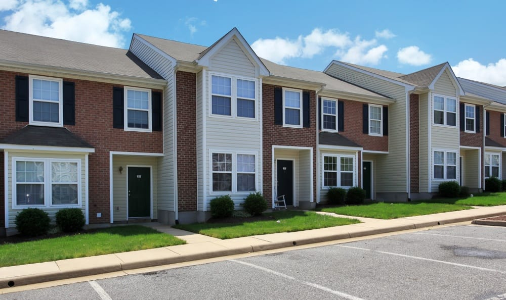 Side view of England Run Townhomes apartments