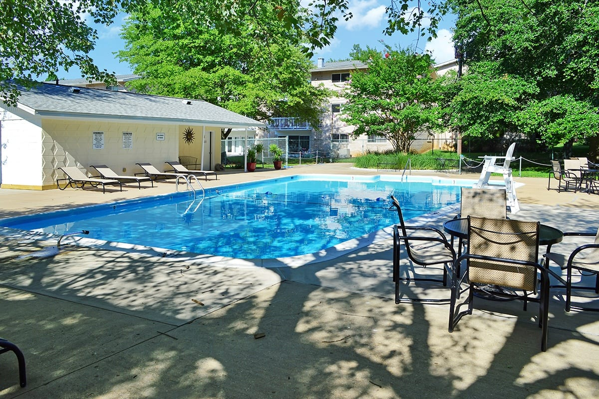 Coralain Gardens Apartments Swimming Pool in Falls Church, VA