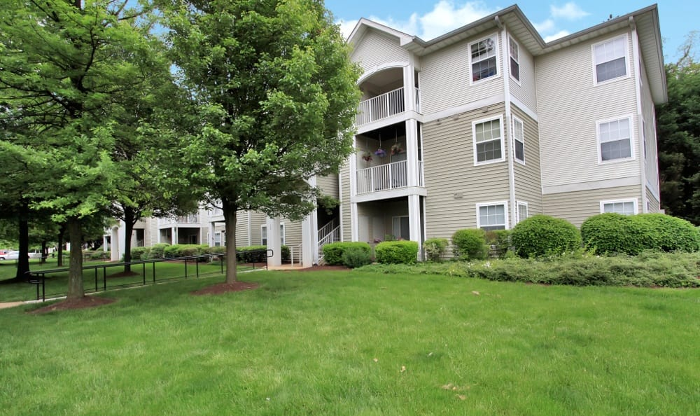 Apartments for rent at Highland Commons in Warrenton, VA.