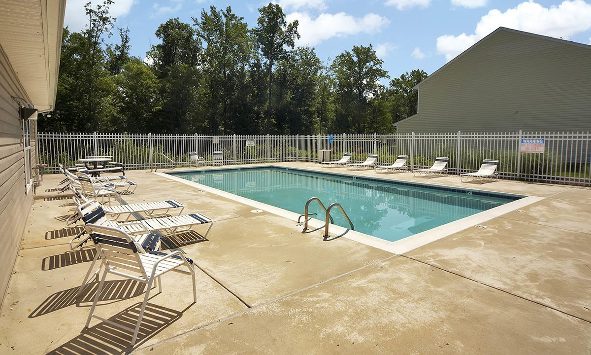 Broadwater Townhomes Swimming Pool in Chester, VA