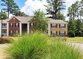 Our Columbus, GA Apartment Rentals Have Beautiful Yards