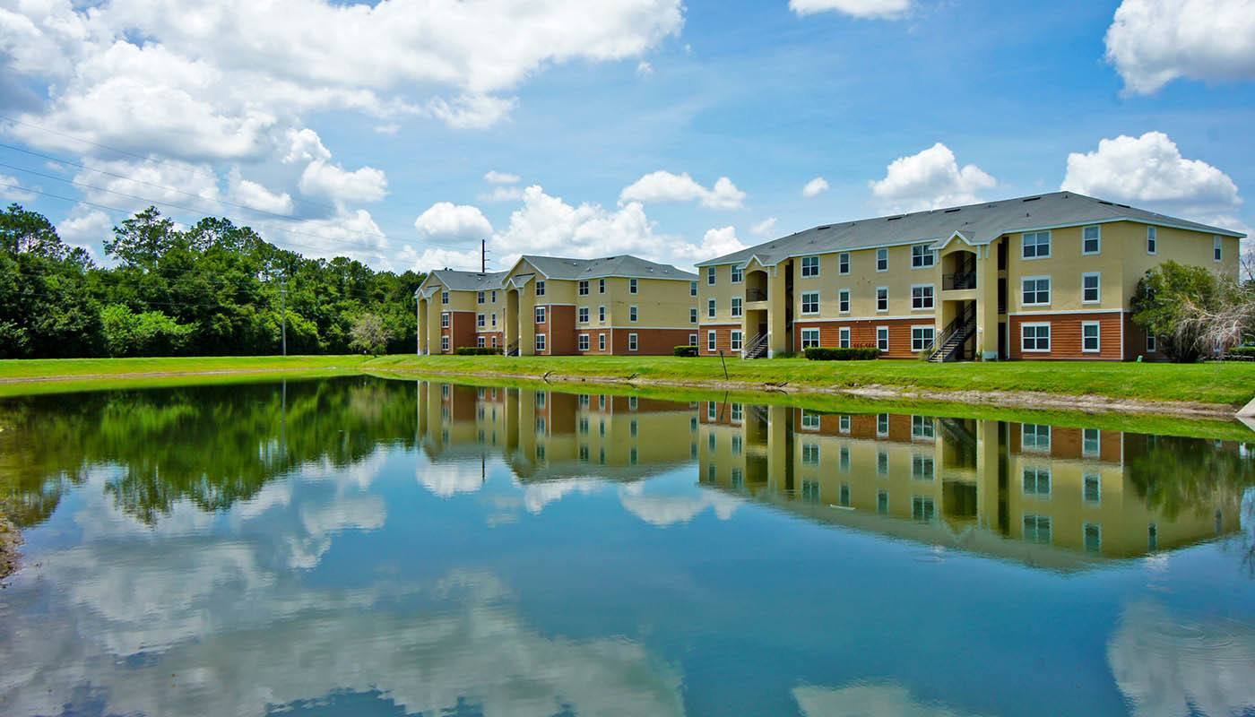 Relax in your new apartment home in Kissimmee