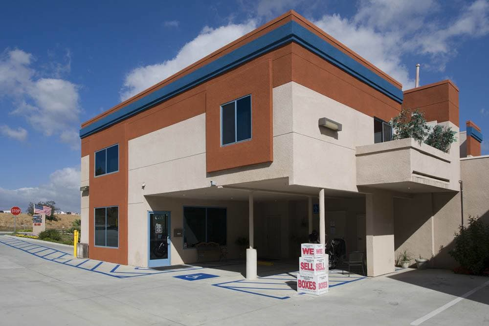 Clean storage units in Carlsbad, CA