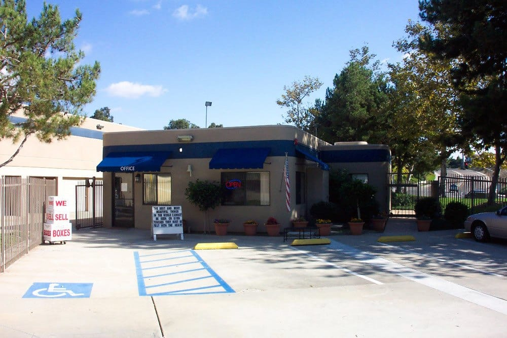 External view of Mira Mesa Self Storage